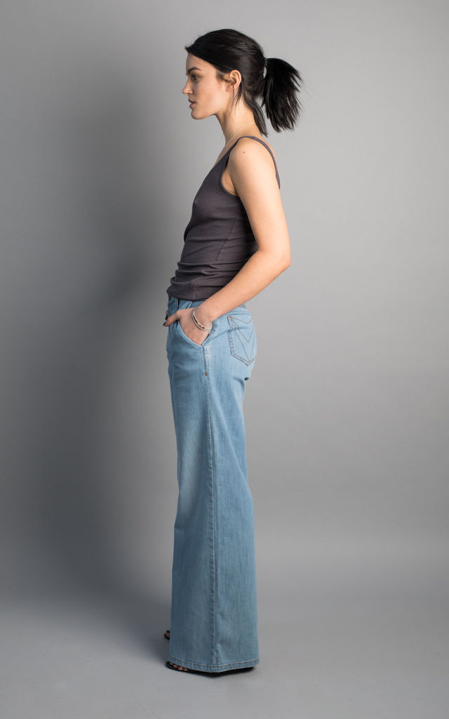 Kenting organic cotton wide leg denim jeans in light blue by VILDNIS