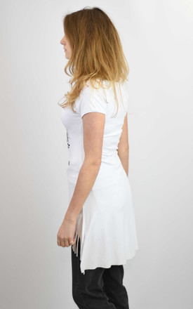 WHITE LOVE FREEDOM PRINT ELONGATED T-SHIRT by Lucy Sparks