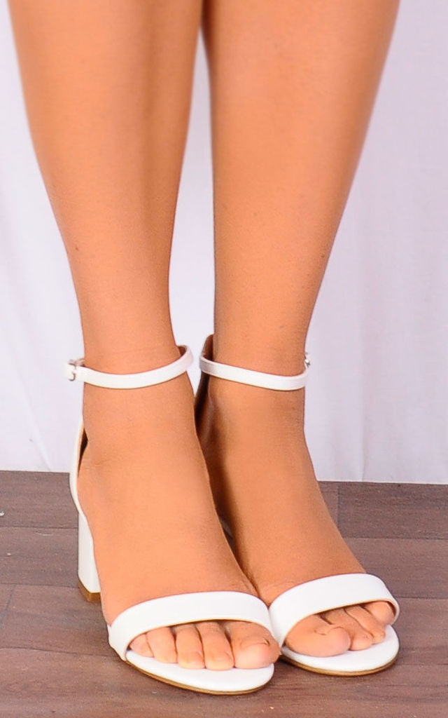 classic shoes exquisite style newest White Low Heeled Ankle Strap Peep Toes Strappy Sandals By Shoe Closet