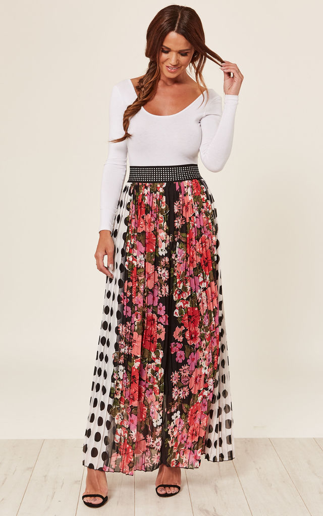 Pleated Maxi skirt by Store WF