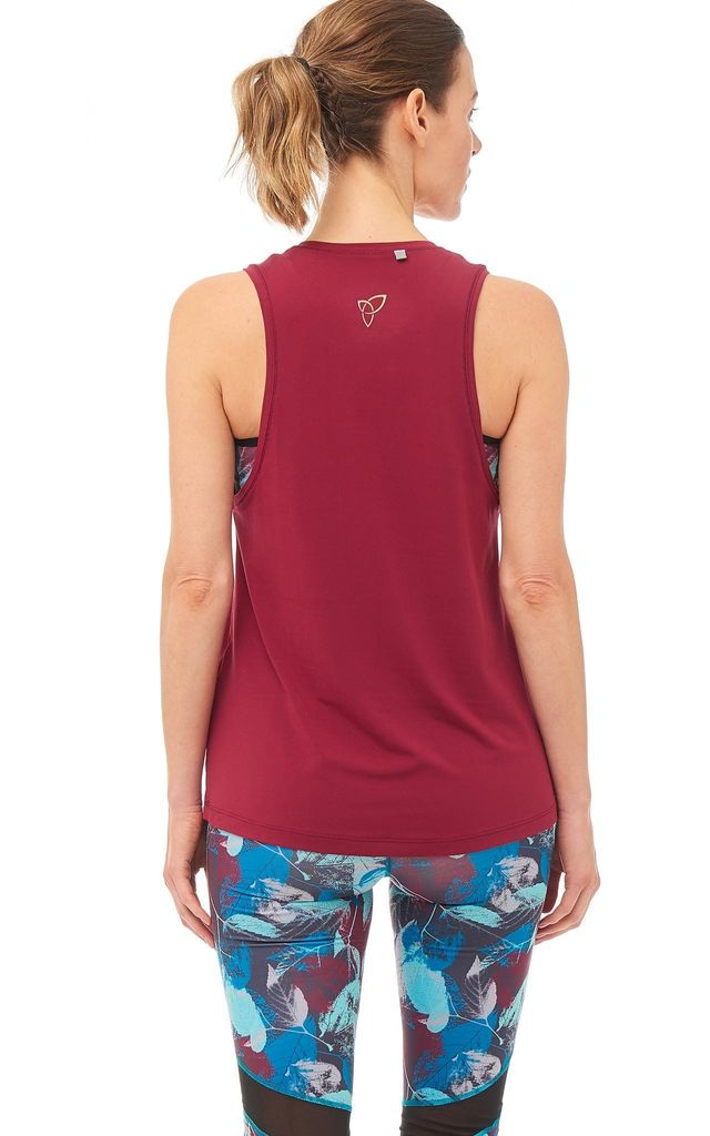 Pow Gym Tank In Burgundy / Slogan by Boudavida