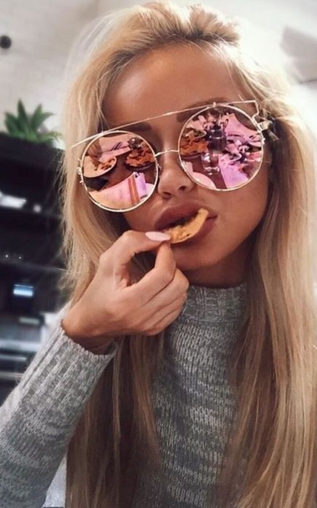 Rose Gold Round Sunglasses by Urban Mist