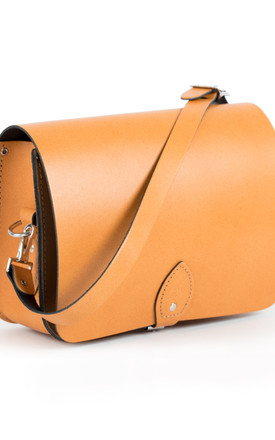 Riley Saddle Bag Light Tan by Gweniss Product photo