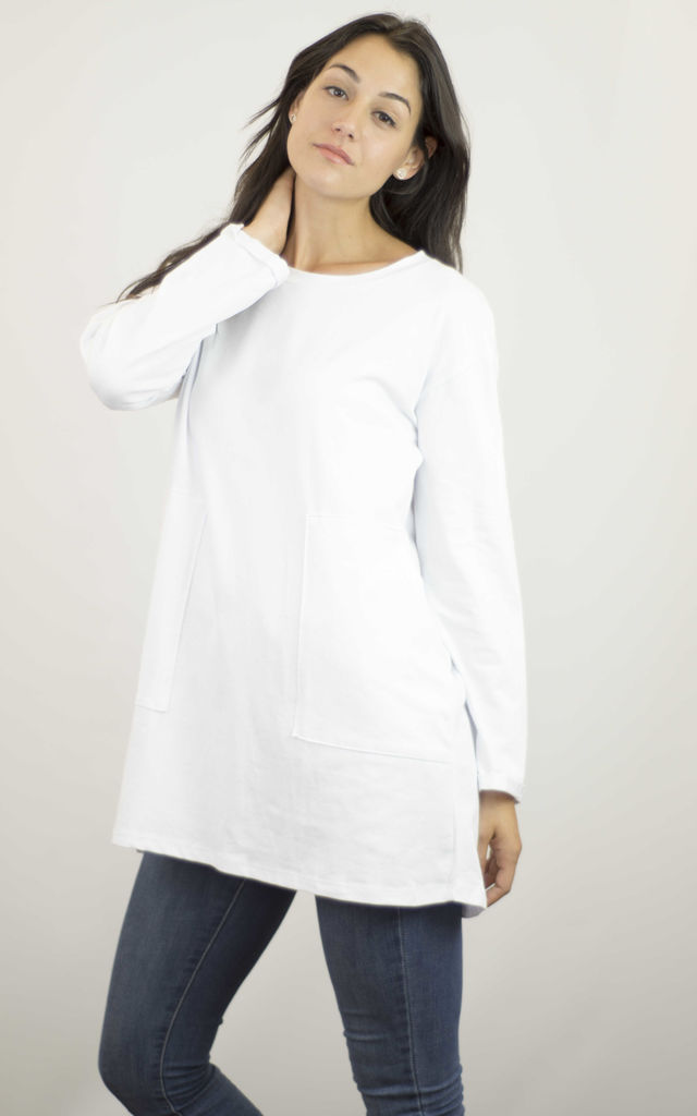 WHITE LONG SLEEVED TOP WITH ENLARGED POCKETS by Lucy Sparks