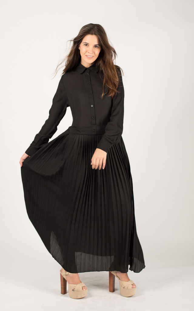 Long Sleeve Pleated Maxi Dress with Collar in Black by CY Boutique