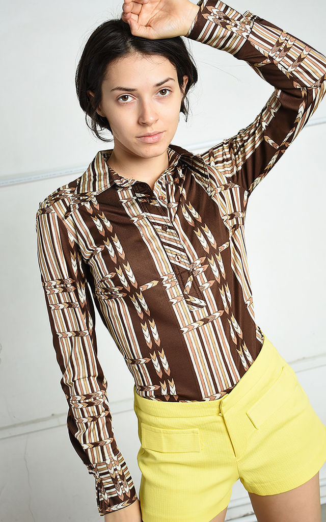 Vintage 70s retro Paris chic top blouse with Mod pattern by Lover
