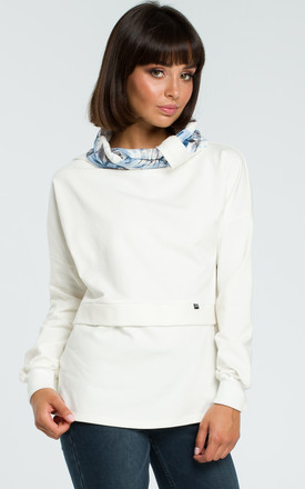 Sweater With floral print Collar in cream by MOE