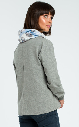 Grey Sweatshirt With Patterned Collar by MOE