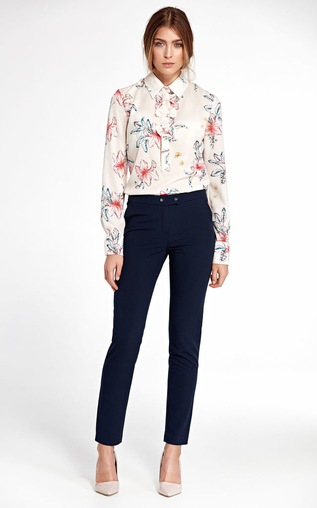 Long sleeve blouse with bow detail in floral print by so.Nife