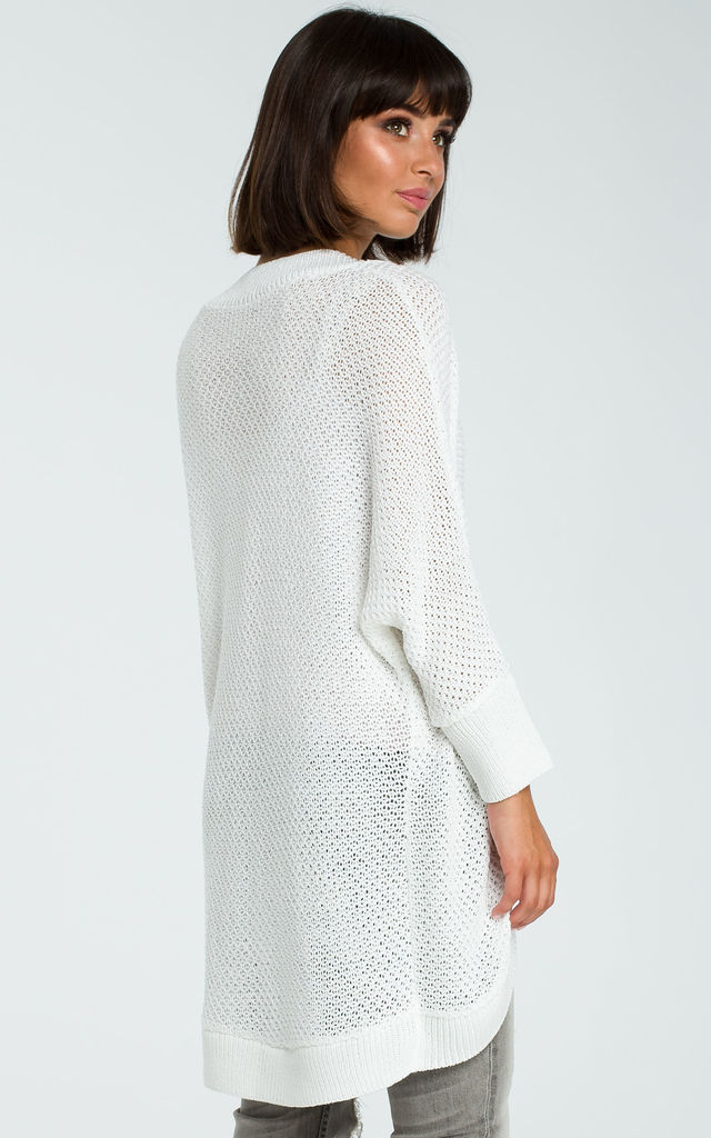 Longline knitted Cardigan in white by MOE