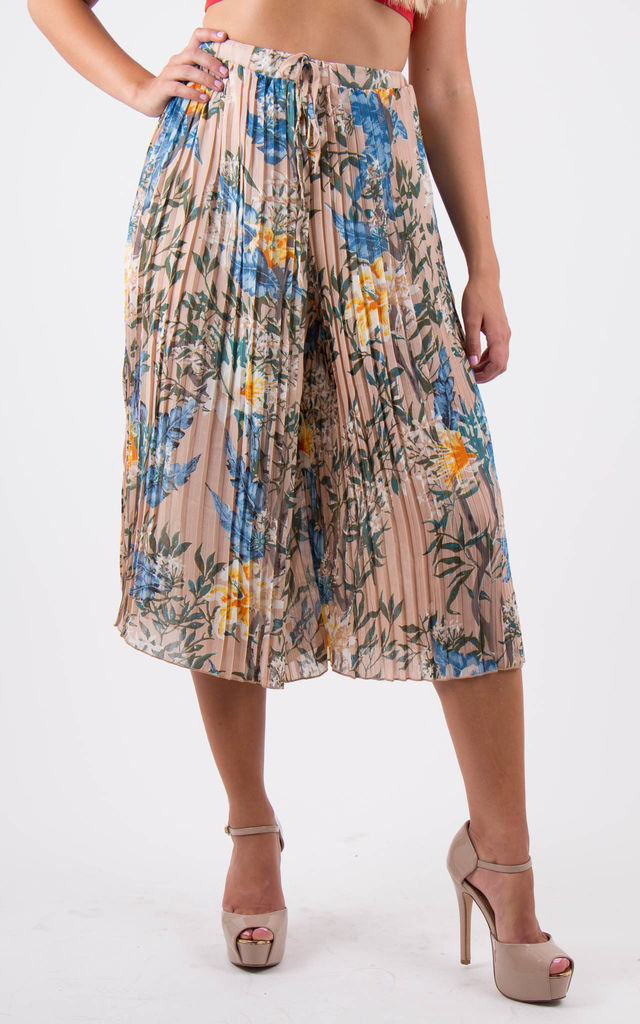 Floral Pleated palazzo Trousers by MISSTRUTH