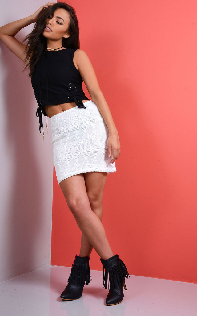White Lace Mini Skirt With Diamond Pattern by LOVEMYSTYLE