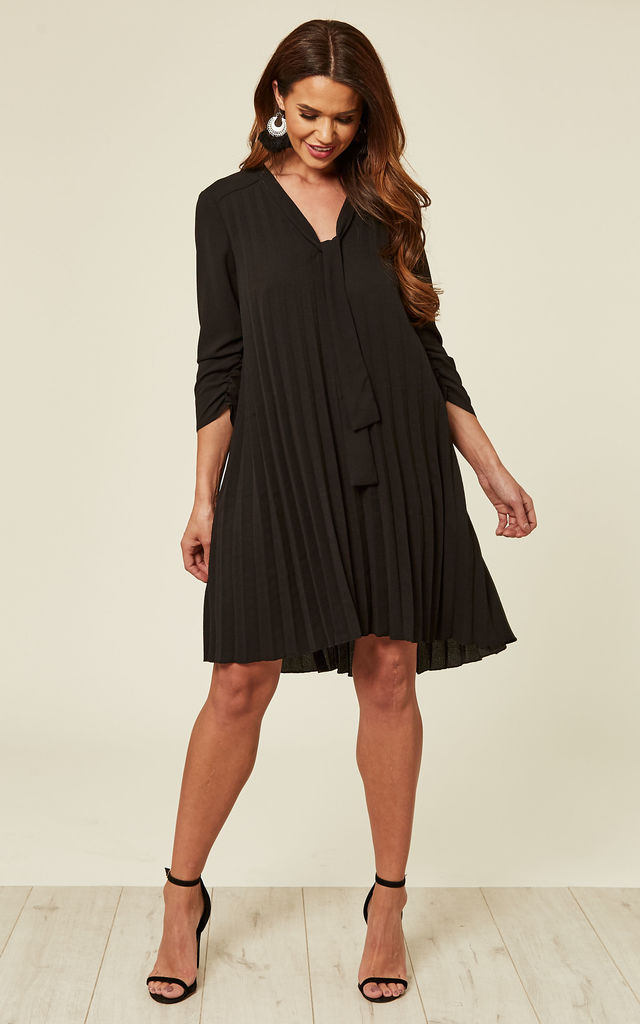 Black Pleated Dress by DIVINE GRACE