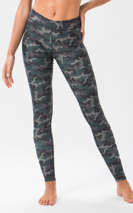 ST Star Leggings Green Camo by Seeing Thngs