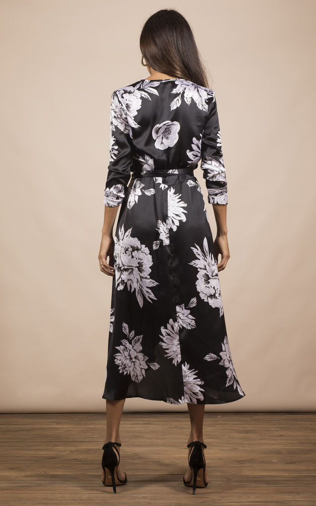 YONDAL DRESS IN BLACK & WHITE PEONY image