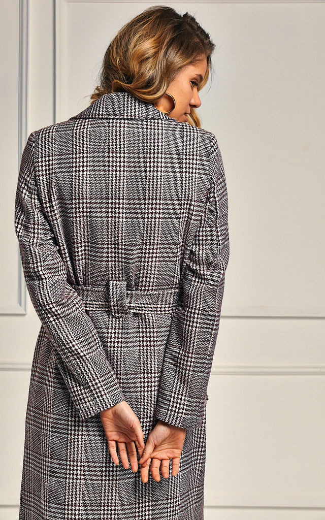 Lesley Houndstooth Tie-up Coat by Mimi + Alice