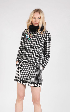 Black and White Houndstooth Pattern Jacket with Faux Fur Collar by CUBIC