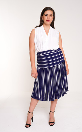 UNIQUE21 Plus Blue And White Pleated Midi Skirt by UNIQUE21