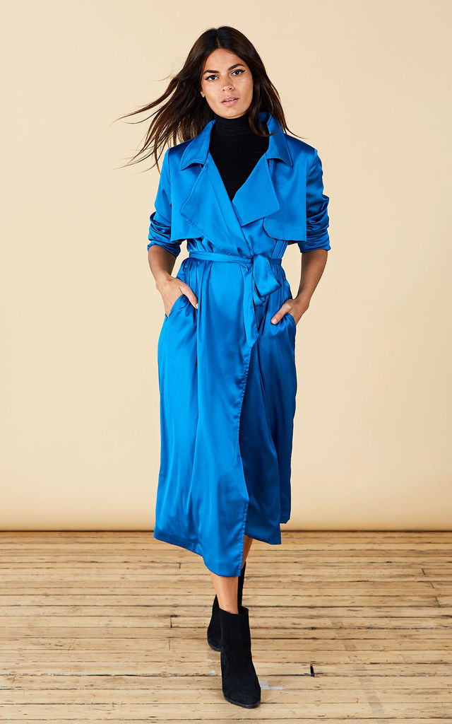RILEY TRENCHCOAT IN BLUE image