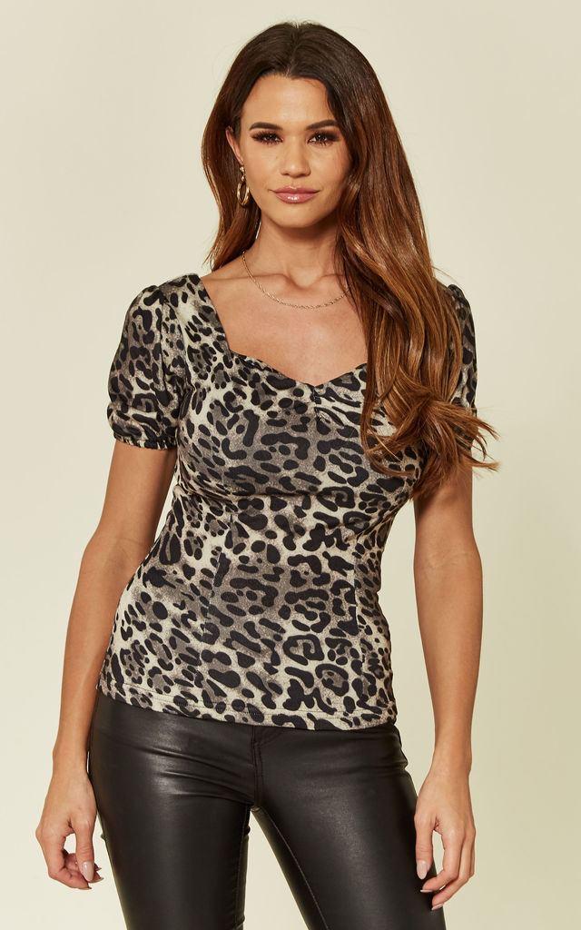 Harmony Leopard Print Short Sleeve Top by Collectif Clothing