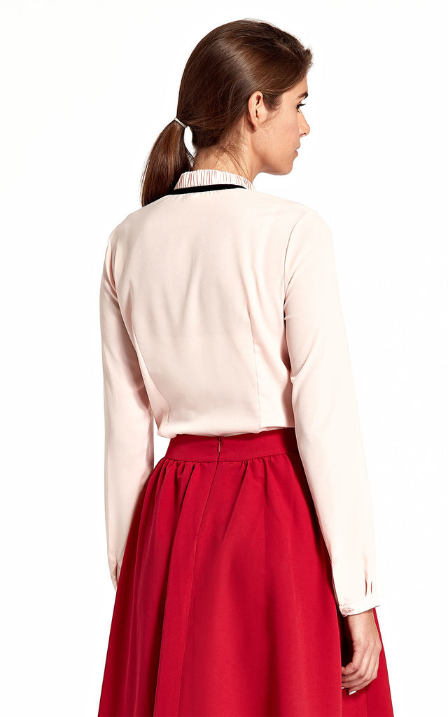 Blouse with stand-up collar and ribbon on the neck - pink by so.Nife