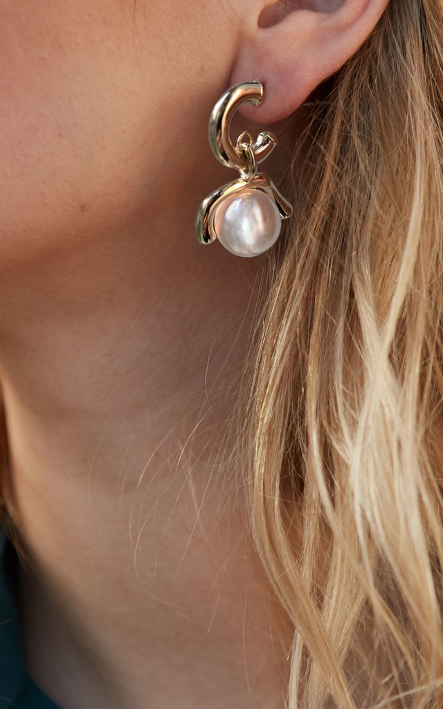 MATEO Gold And Pearl Earrings by THE SF STORE