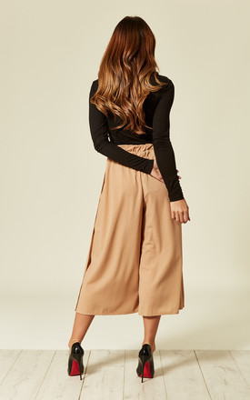 Pleated High Waist cropped trouser with buttons by Oeuvre