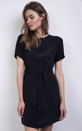 Navy Silk Shift Dress With Waist Tie by ABIGAIL LONDON Product photo