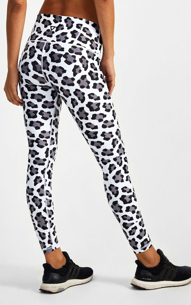 Leggings in Snow Leopard by GYMVERSUS London