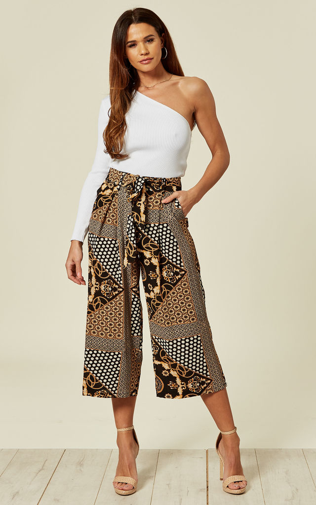 Black Scarf Print Culotte Pants by MISSI LONDON