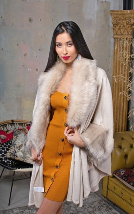 Faux Fur Collar Wrap by Lavand Stories