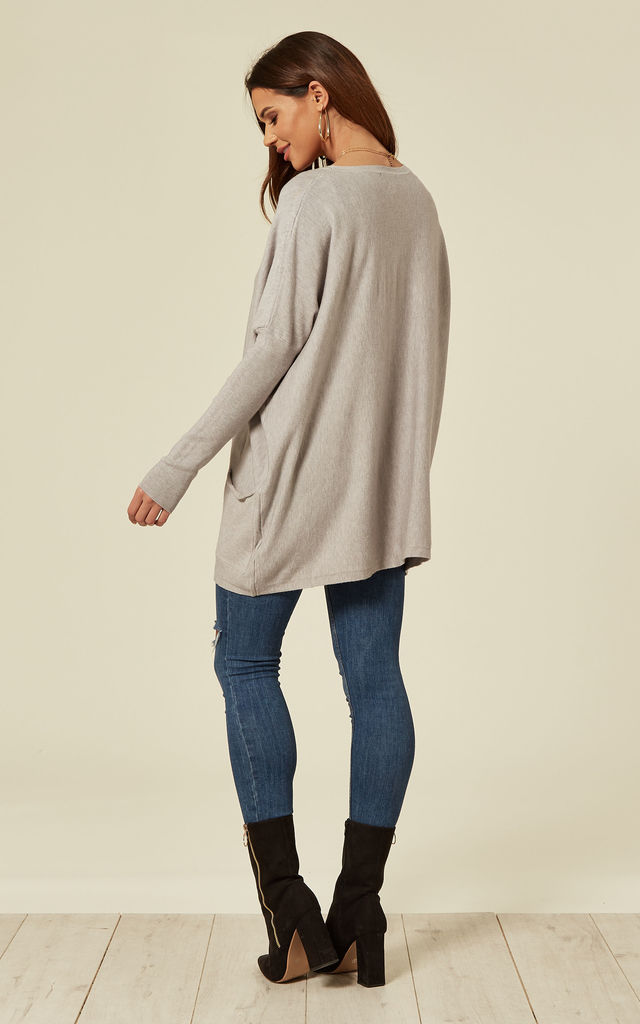 AVA – Crew Neck Grey Batwing With Pockets by Blue Vanilla
