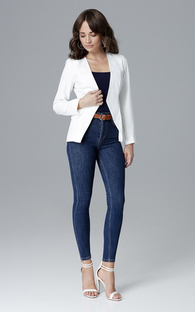 Fitted blazer in white by LENITIF