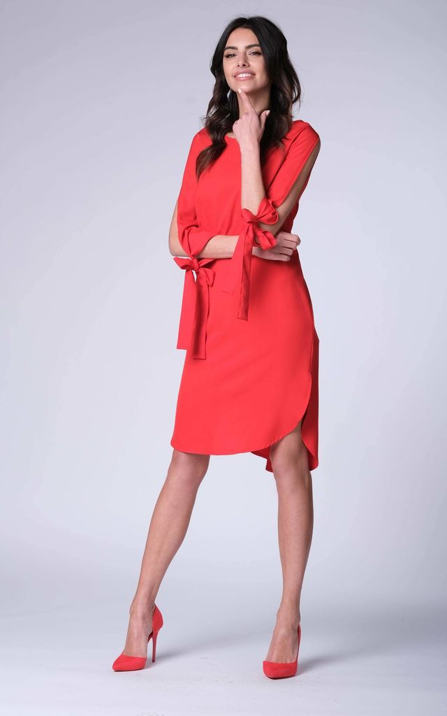 c78cf82483ae9 Red Loose Midi Dress With Cut Sleeves | Bergamo | SilkFred
