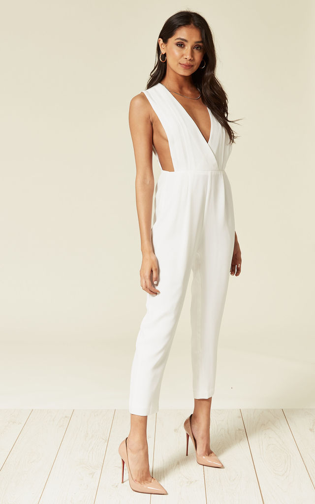 PLEATED JUMPSUIT WHITE SOREL by Jovonna London