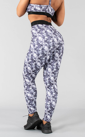 Postar Leggings in Indigo Flow by Versa Forma
