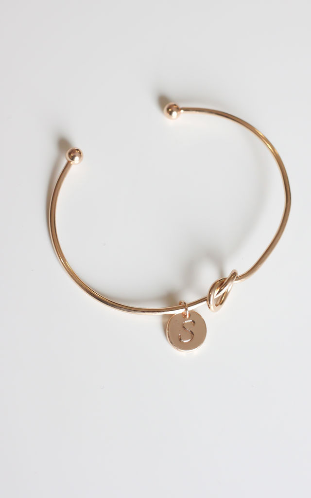 Gold knot Bracelet with Personalised Initial Charm - S by Free Spirits