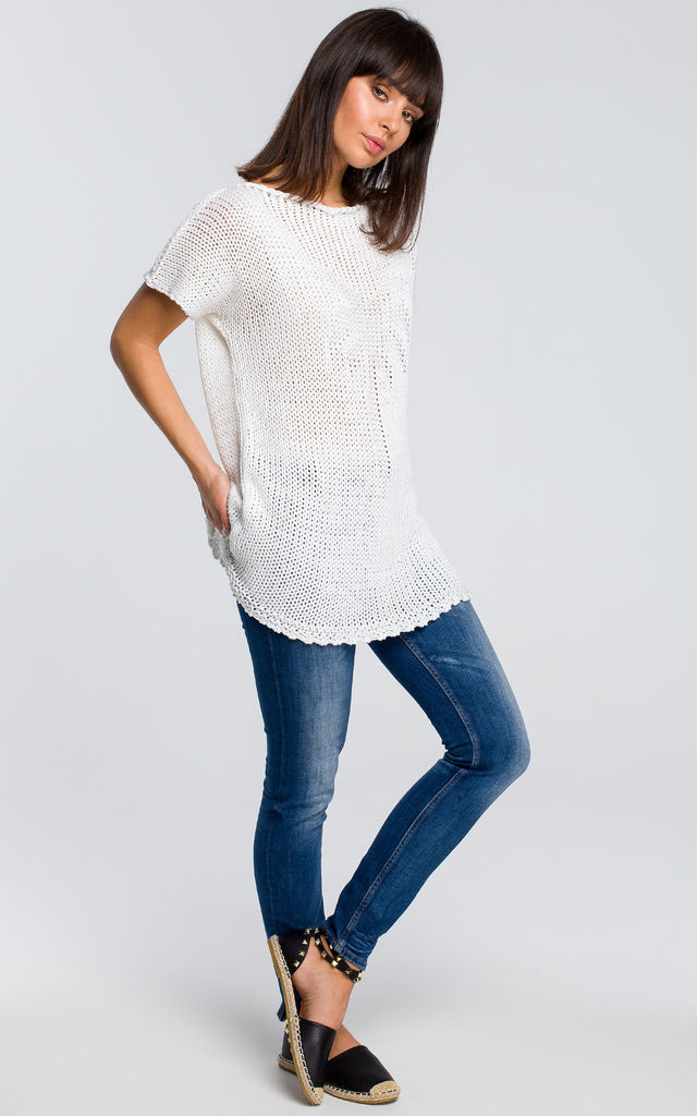 Short Sleeve Knit Top With Palm Design in White by MOE