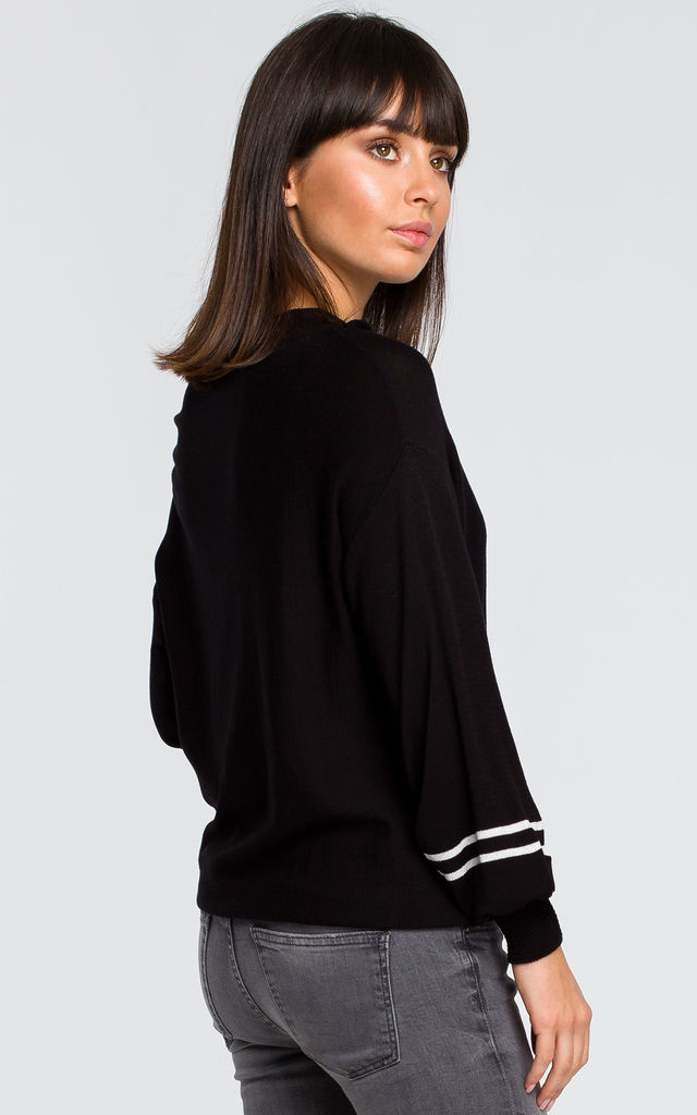 Sweater with wide sleeves - black by MOE