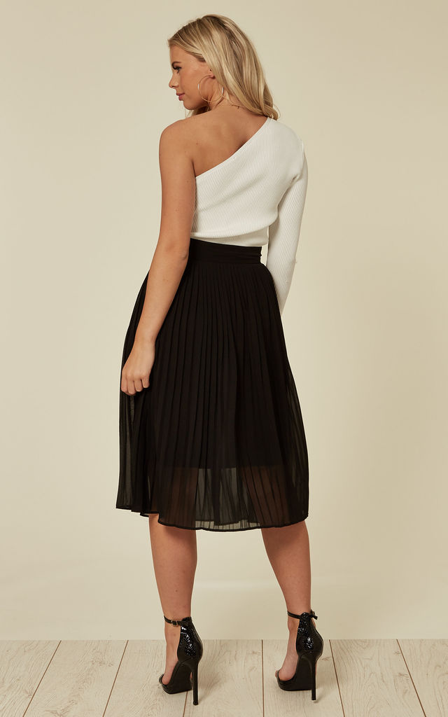 ZOE – Structured Pleated Black Midi Skirt by Blue Vanilla