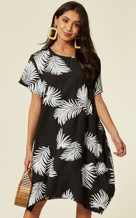 Short Sleeve Shift Dress In Black And White Contrast Leaf Print by CY Boutique Product photo