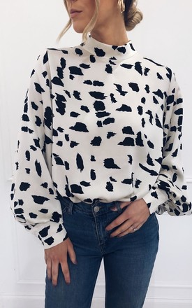 Exclusive Ambre Blouse Monochrome Print by Pretty Lavish Product photo