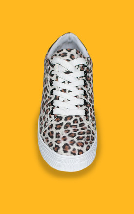The Leopard White trainers by Miss Red
