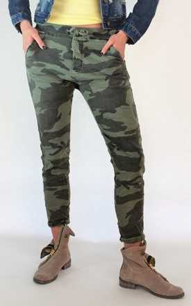 Green camo slim cotton trousers by E&A Fashion