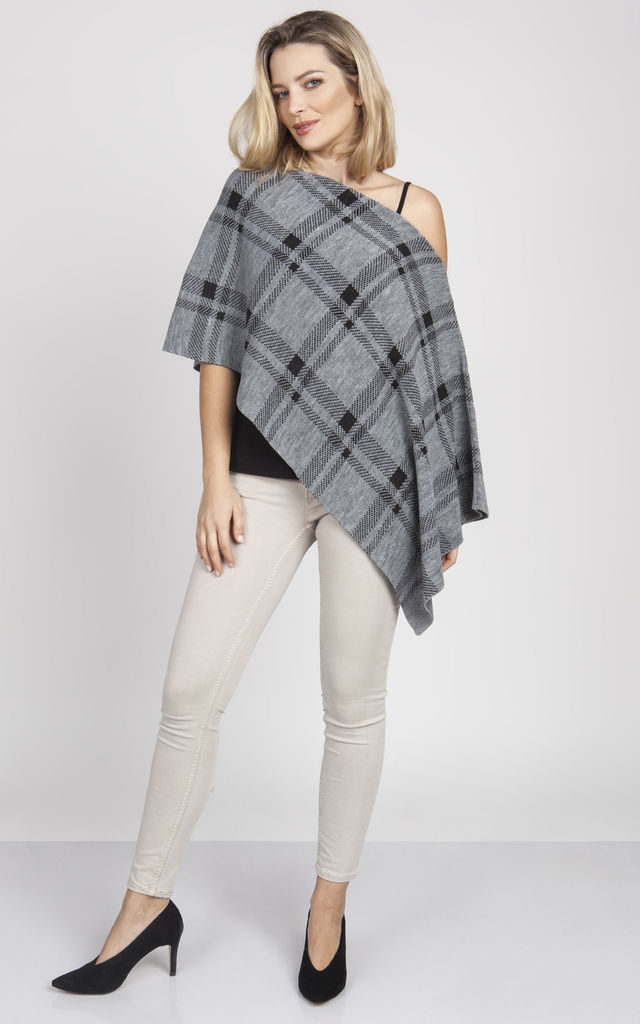 Knitted Cape in grey/graphite check by MKM Knitwear Design