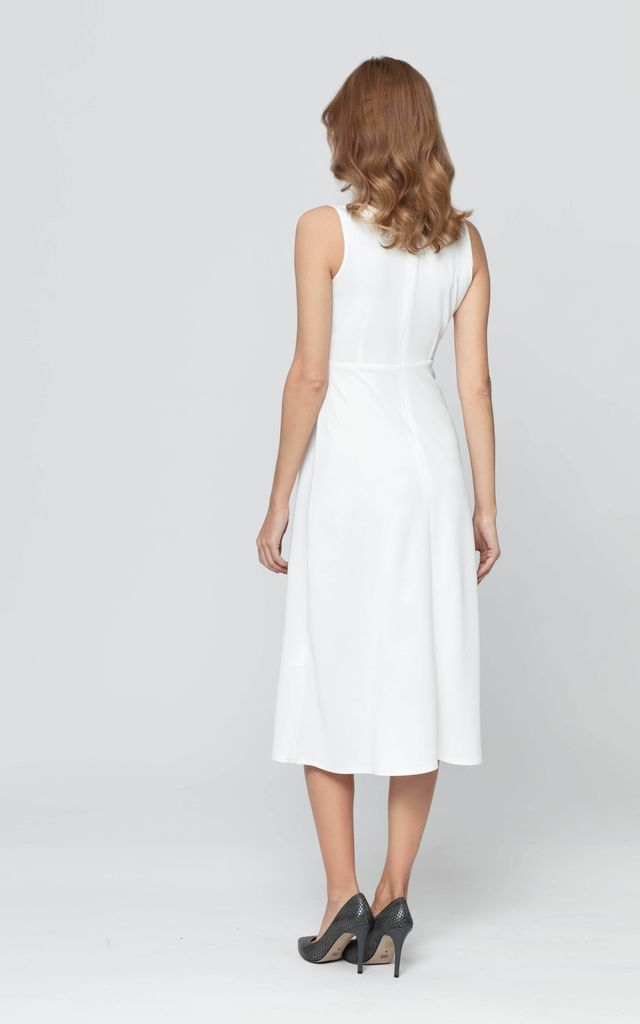 Tied Flared Sleevless Maxi Dress with V-Neck in White by Bergamo