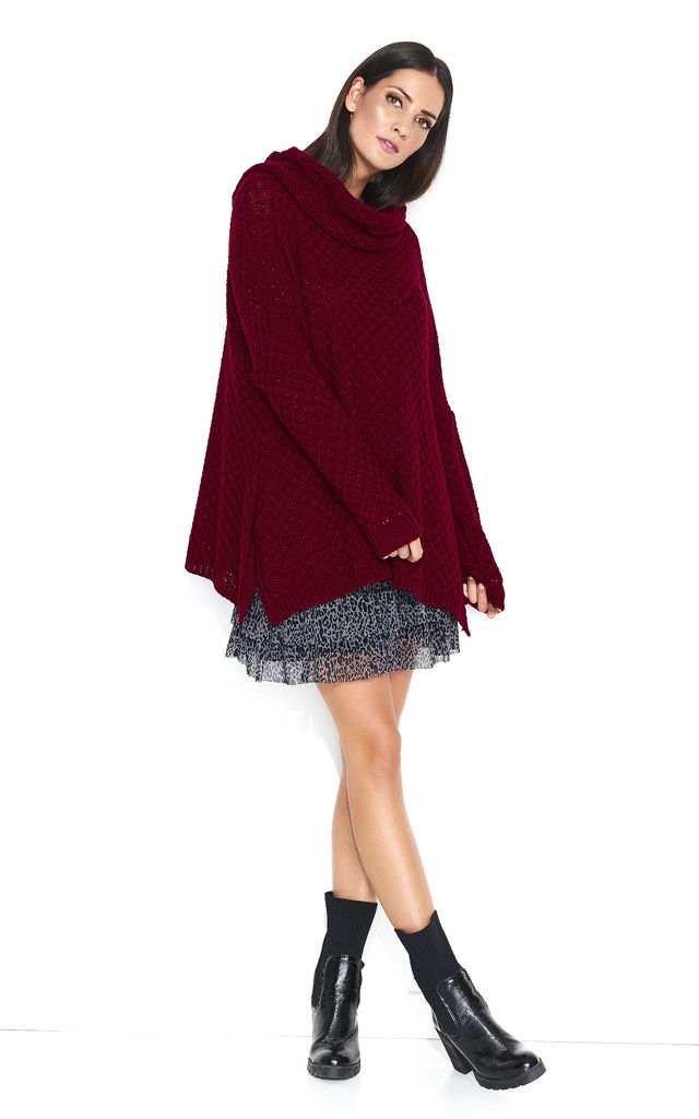 Oversized Sweater with Turtleneck in Maroon by Makadamia