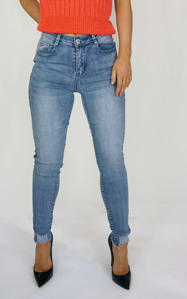 Blue Ankle Grazer Jeans by Styled Clothing