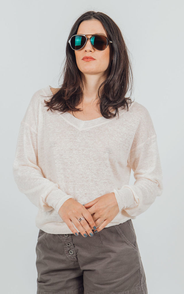Atacama organic linen knit jumper with wide V-neck in pale pink by VILDNIS