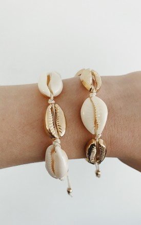 White & Gold Shells Bracelet by Gold Lunar